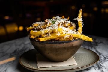 Patatas fritas trufadas